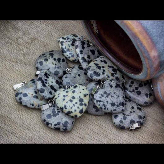 Jáspis szív ásvány medál